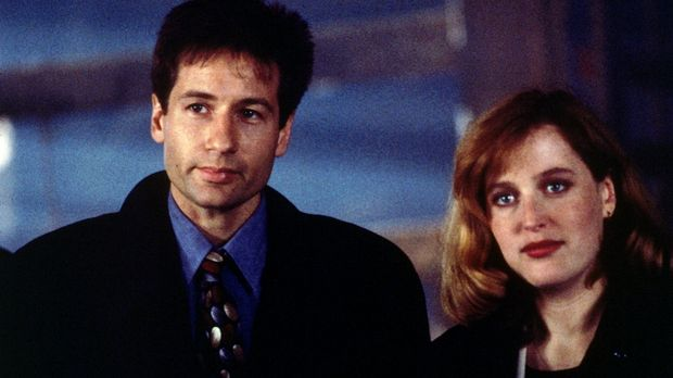 Mulder (David Duchovny, l.) und Scully (Gillian Anderson, r.) werden in Wisco...
