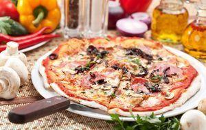 Grillen_2015_07_14_Pizza grillen_Bild 1_Fotolia_Boris Ryzhkov