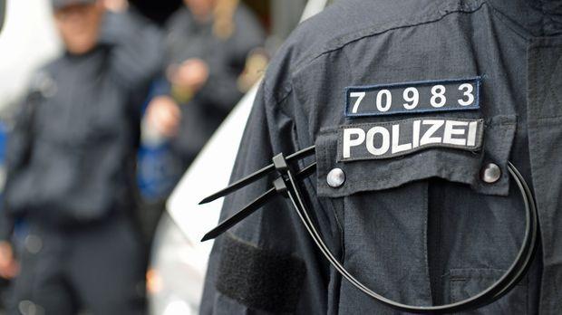 Polizei2 © Verwendung weltweit, usage worldwide
