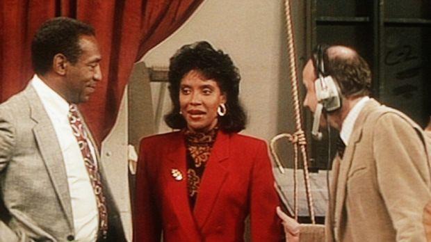 Cliff Huxtable (Bill Cosby, l.) ist sehr stolz auf seine Frau Clair (Phylicia...