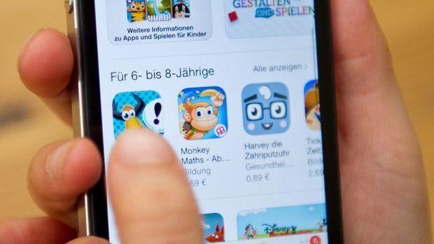 Kinderspiele Handy Smartphone_dpa