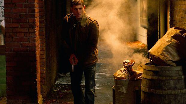 Dean (Jensen Ackles) wird vom Gott der Zeit ins Jahr 1944 geschickt und triff...