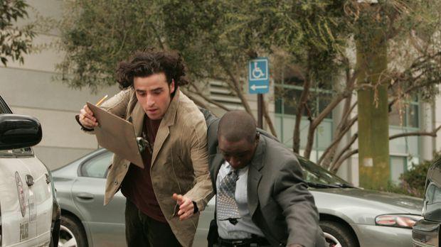 Charlie (David Krumholtz, l.) und David (Alimi Ballard, r.) geraten in das Fe...
