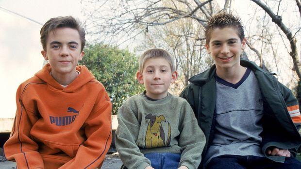 Malcolm (Frankie Muniz, l.), Dewey (Erik Per Sullivan, M.) und Reese (Justin...