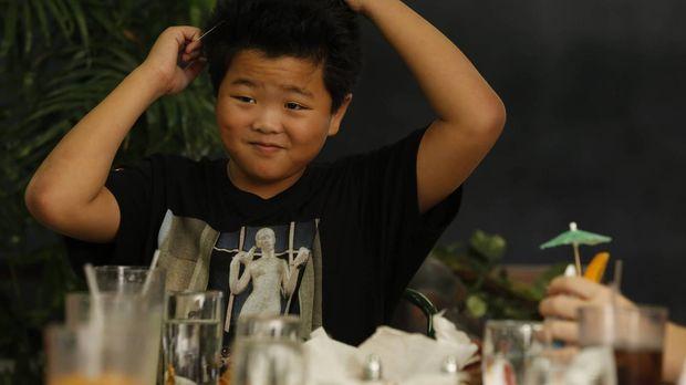 Sein Geburtstag steht bevor: Eddie (Hudson Yang) ... © 2015-2016 American Bro...