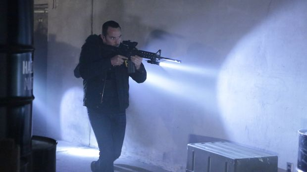 FBI-Agent Weller (Sullivan Stapleton) jagt einen US-General, der Sarin-Gas an...