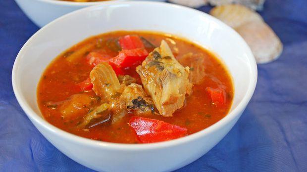 Fischsuppe in Schüssel © fotolia
