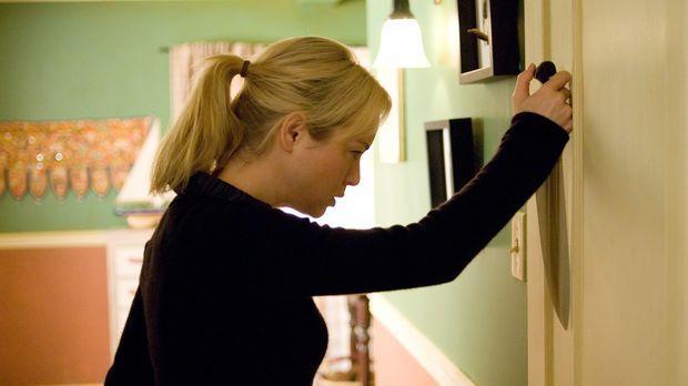 Erst viel zu spät erkennt Sozialarbeiterin Emily (Renée Zellweger), dass der...