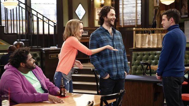 Justin (Brent Morin, r.) hofft auf die Hilfe von seinen Freunden Shelly (Ron...