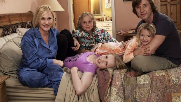 (6. Staffel) - Ihre Familie bedeutet Allison (Patricia Arquette, l.) alles: J...