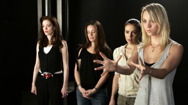 Gemeinsam kämpfen sie gegen das Böse: Paige (Rose McGowan, l.), Piper (Holly...