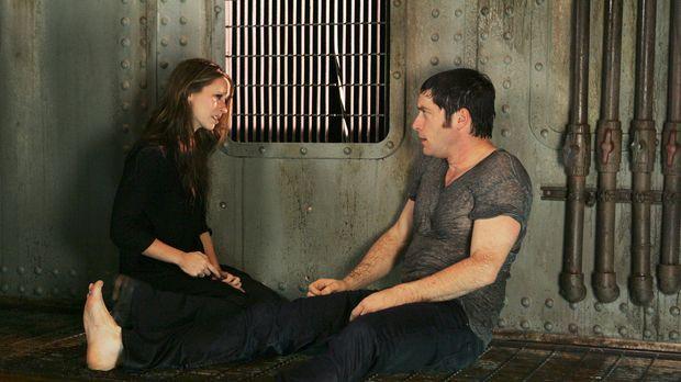 Sam (David Conrad, r.) ist über seinen Schatten gesprungen und hat Melinda (J...