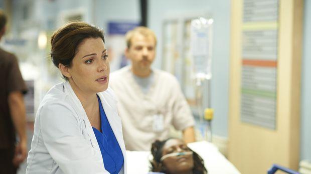 Während Alex (Erica Durance) einer Patientin keine Herz geben kann, weil ein...