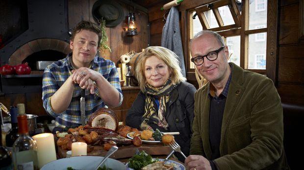 Jamie (l.) trifft sich mit Jennifer Saunders (M.) und ihrem Mann Adrian Edmon...