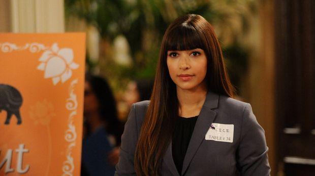 Die Clique besucht eine Dating-Veranstaltung, wo Cece (Hannah Simone) hofft,...