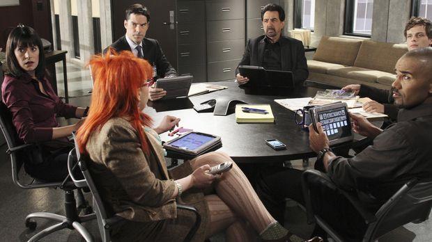 Ein neuer Fall beschäftigt das BAU-Team: (v.l.n.r.) Prentiss (Paget Brewster)...