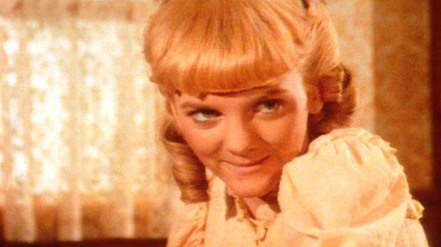 Vergeblich versucht Nellie (Alison Arngrim) den ungestümen Perley zu bezauber...