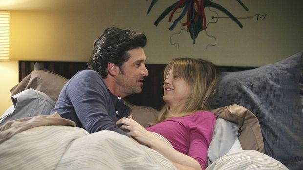 Während sich Derek (Patrick Dempsey, l.) und Meredith (Ellen Pompeo, r.) unbe...
