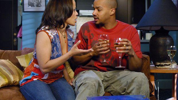 Carla (Judy Reyes, l.) ist endlich schwanger -  sie interpretiert den Test ir...