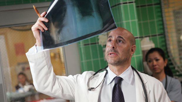 Gewillt, Leben zu retten: Dr. Kevin Moretti (Stanley Tucci) ... © Warner Bros...