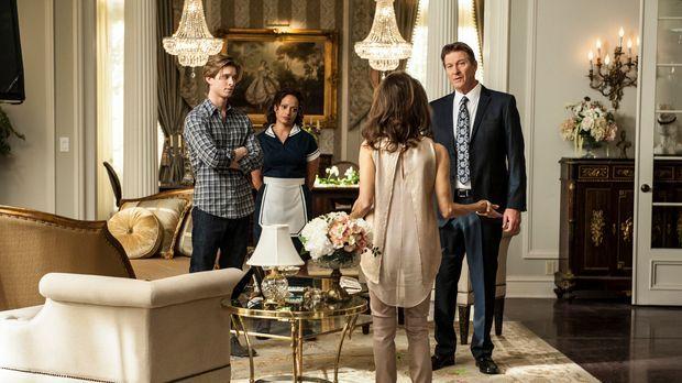 Michael (Brett Cullen, r.) hat eine schlechte Nachricht für Genevieve (Susan...