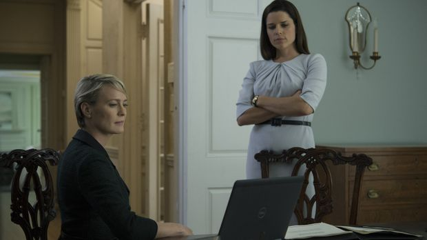 Wie weit würde Claire (Robin Wright, l.) noch gehen, damit Frank sie zur Vize...