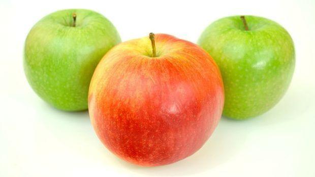 Ein Apfel am Tag kann bereits dazu beitragen, dauerhaft den Cholesterinspiege...
