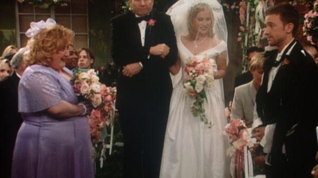 Sind Kelly (Christine Applegate, 2.v.r.) und Bud (David Faustino, r.) unter d...