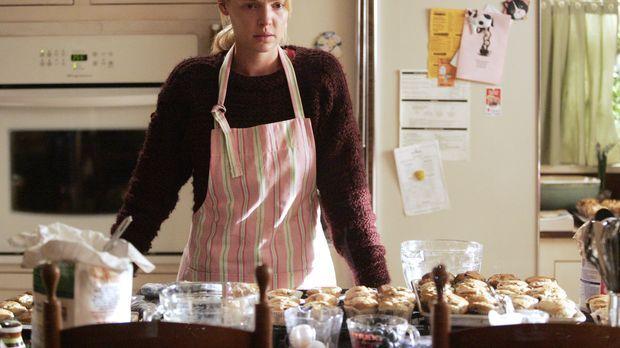 Izzie (Katherine Heigl) versucht ihren Schmerz durch Muffin-Backen zu unterdr...