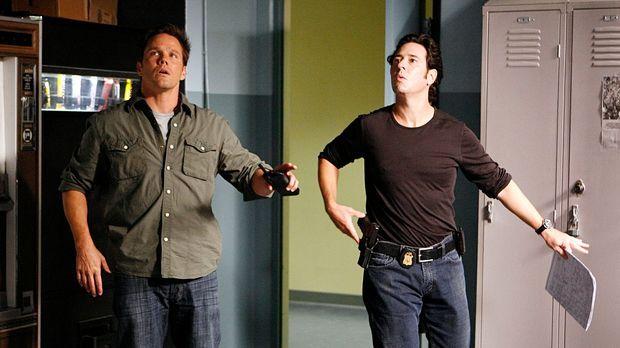 Der Drogenboss Salazar macht Colby Granger (Dylan Bruno, l.) und Don (Rob Mor...