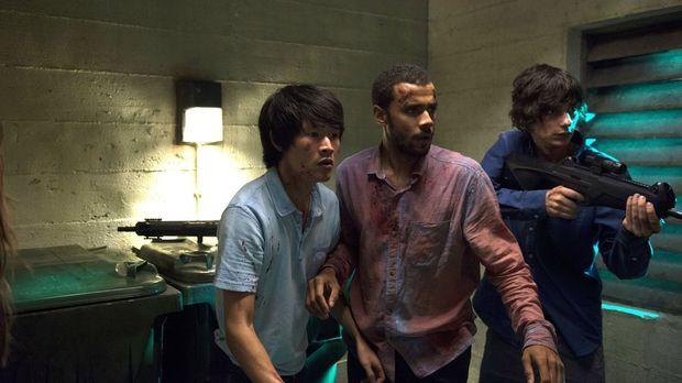 Monty (Christopher Larkin, l.), Miller (Jarod Joseph, M.), Jasper (Devon Bost...