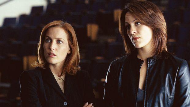 Dana Scully (Gillian Anderson, l.) und Monica Reyes (Annabeth Gish, r.) sind...