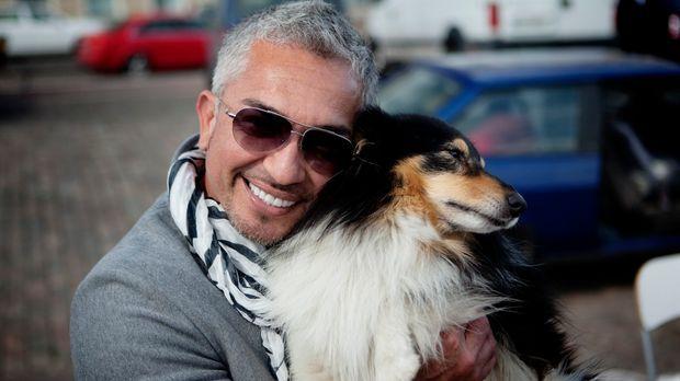 Seine Liebe zu Hunden ist riesengroß: Cesar Millan umarmt sogar auf offener S...