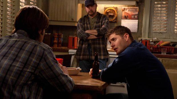 Zusammen wollen der neue, alte Sam (Jared Padalacki, l.), Bobby (Jim Beaver,...