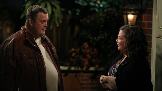 Mike & Molly - Mike (Billy Gardell, l.) und Molly (Melissa McCarthy, r.) habe...
