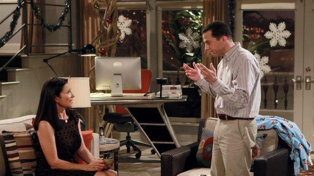 Walden erhält Besuch von seiner Mutter Robin (Mimi Rogers, l.). Alan (Jon Cry...