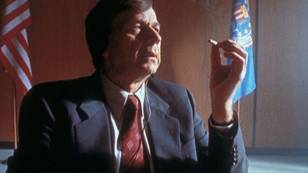 Der geheimnisvolle Raucher (William B. Davis) ist zwar sehr mächtig und gefäh...