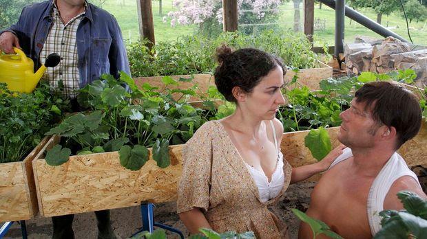 Landleben pur mit Mirco Reseg (l.), Shirin Soraya (M.) und Hanno Friedrich (r...