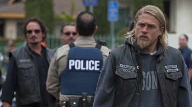 Rachegedanken plagen Jax (Charlie Hunnam). Er will diejenigen bestrafen, die...