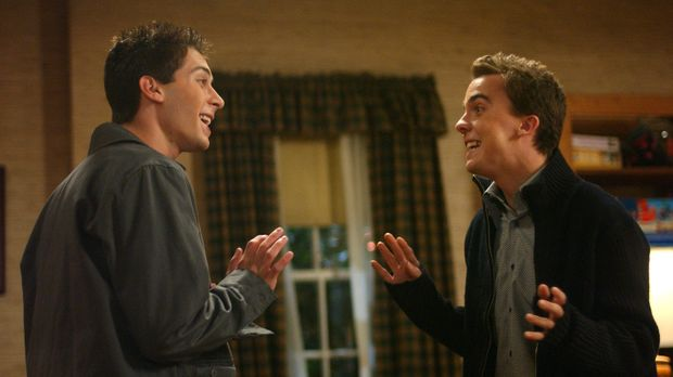 Reese (Justin Berfield, l.) und Malcolm (Frankie Muniz, r.) haben Jessicas Sc...