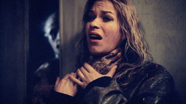 Kate (Franka Potente) kann dem geheimnisvollen Killer nicht entkommen ... © TMG