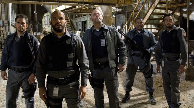 (v.l.n.r.) Mike Cochrane (Matt Dillon), Palmer (Amaury Nolasco), Quinn (Jean...