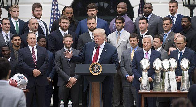 New England Patriots besuchen Donald Trump im Weißen Haus - Bildquelle: imago...