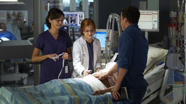 Sehr zur Freude von Maggie (Julia Taylor Ross, l.), beginnt David Zarb (Joris...