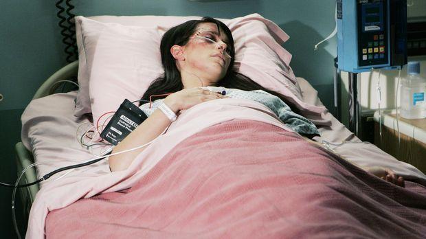 Melinda (Jennifer Love Hewitt) zieht sich bei einem Autounfall eine Kopfverle...