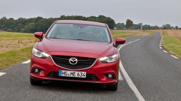 Mazda6_Sedan_2012_Paris_action_12__jpg300 5616 x 3744